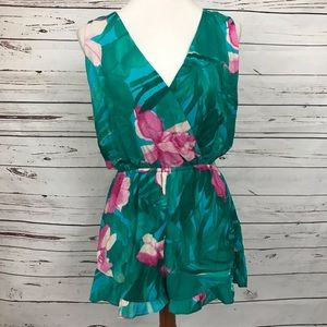 Show Me Your MuMu Floral Romper Size Medium